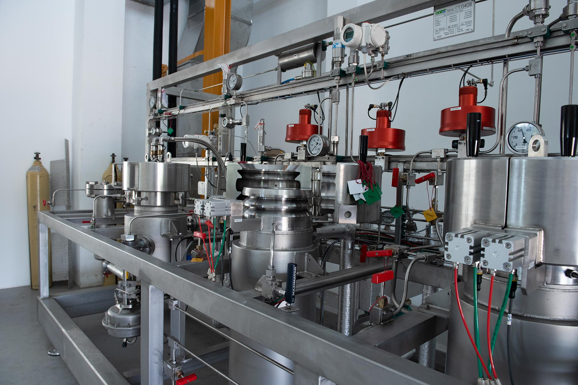 Extraction plant for natural substances